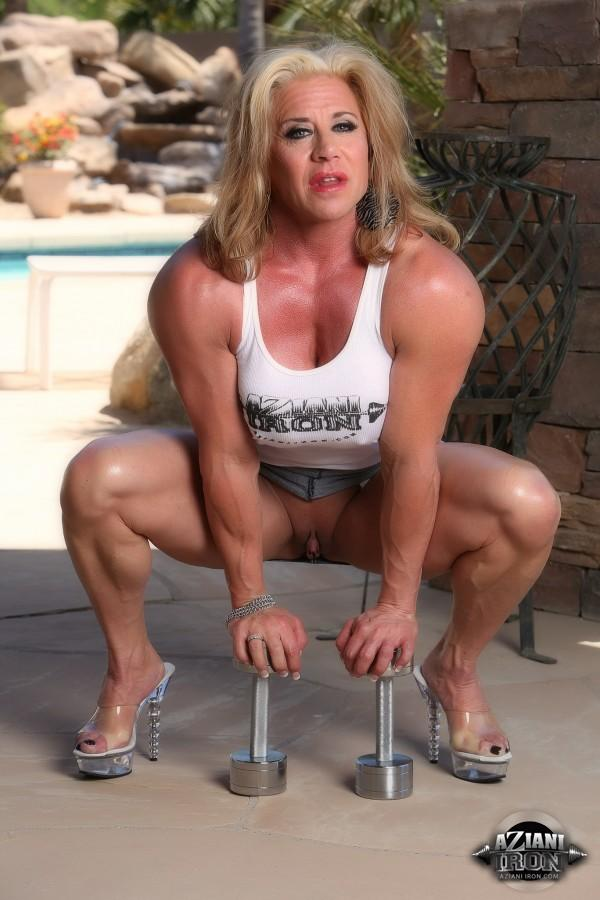 Bodybuilders lisa and wanda lesbian love part 2 3
