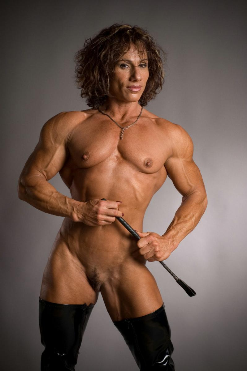 hot muscle women stip