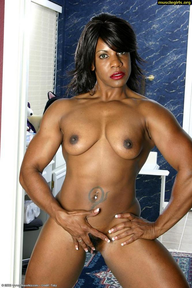 Ebony female bb posing nude!