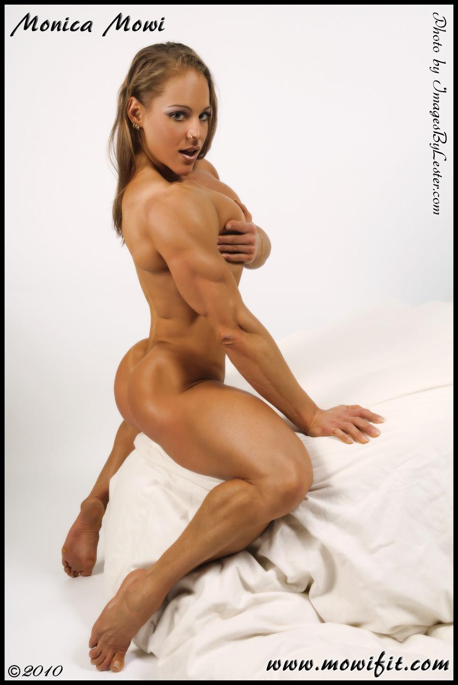 nude muscle female butt