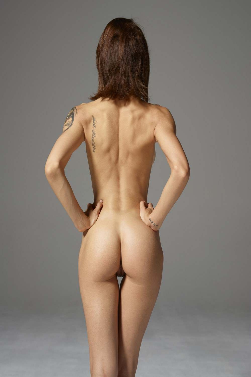 artistic muscle nude