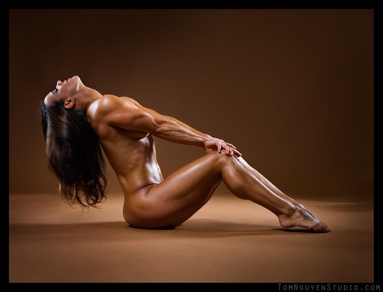 Naked female bodybuilder ashlee chambers fucks crush banana 2